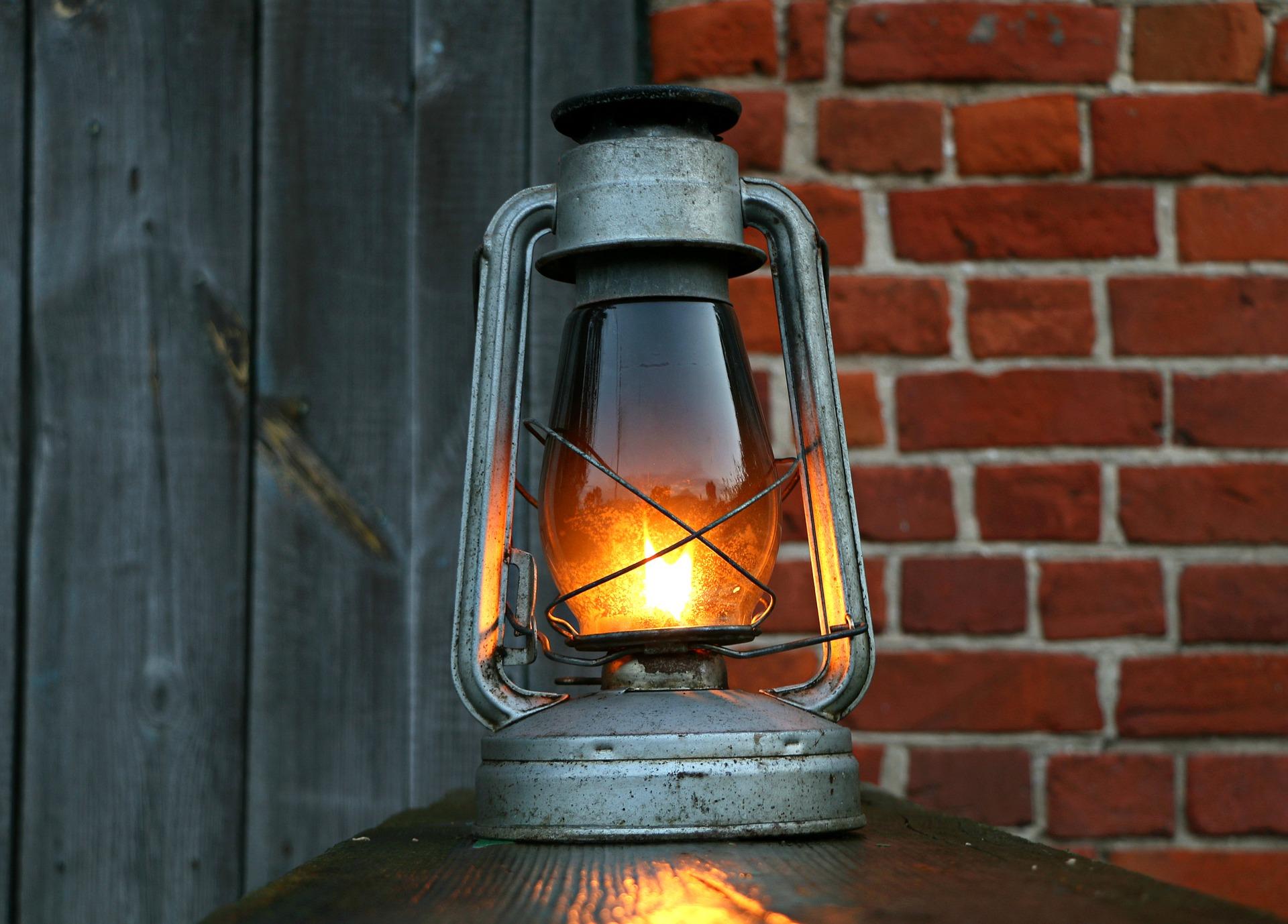 lamp-1565705_1920